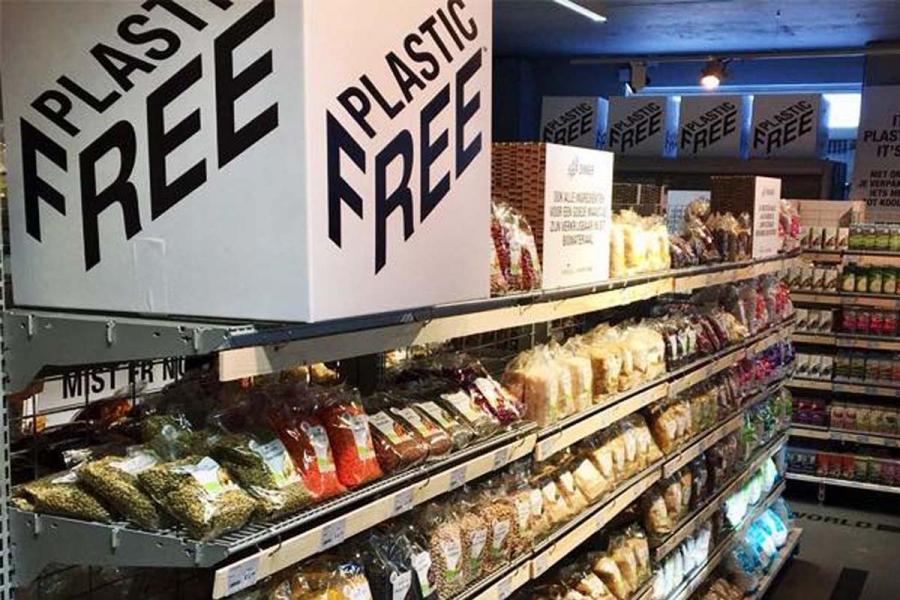 В Амстердамі відкрився перший в світі супермаркет з відділом без пластику