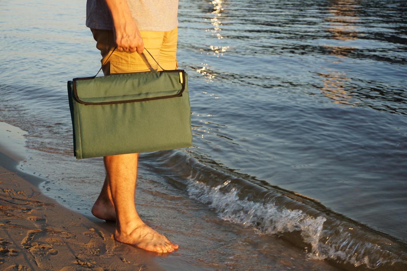 Килимок для пікніка і пляжу водонепроникний, компактний